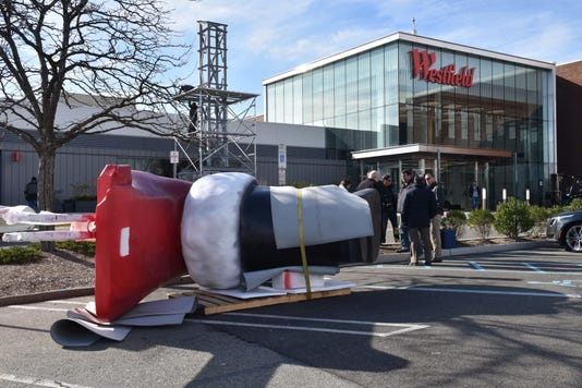Giant Santa At The Mall