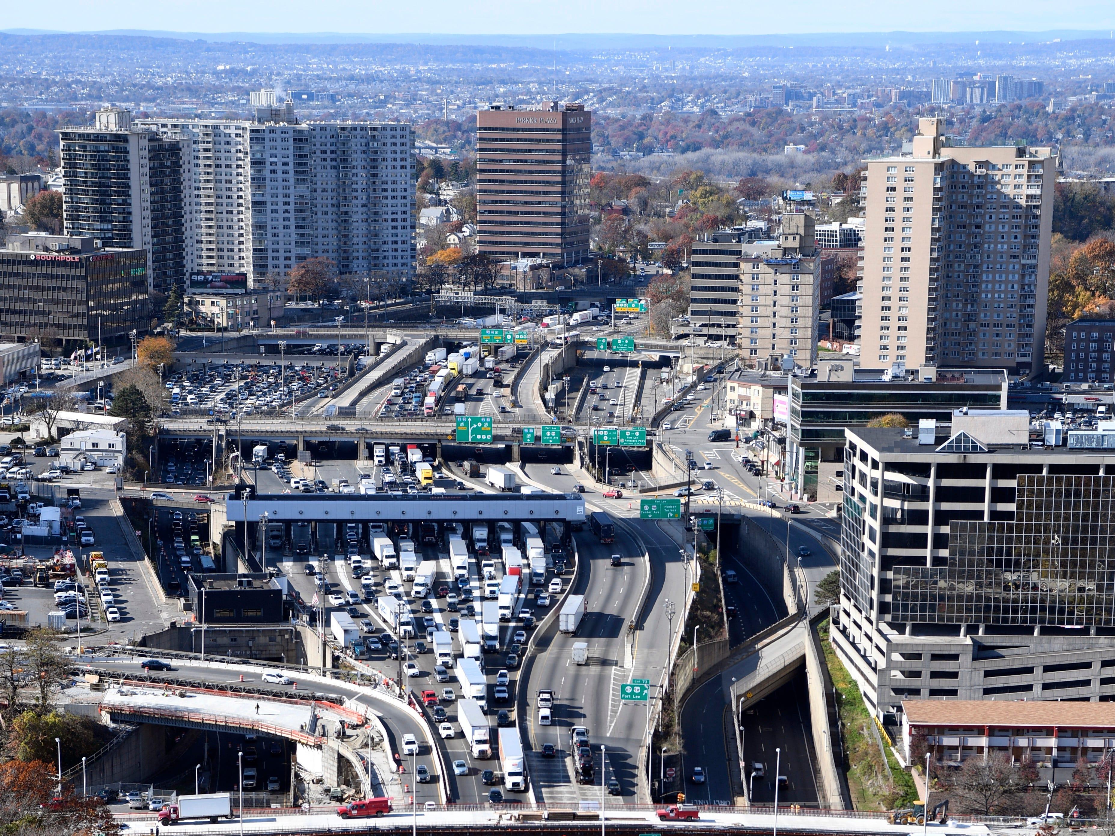 Interstate 95 seen from the George Washington Bridge, looking west toward Fort Lee, NJ, on Wednesday, Nov. 14, 2018.