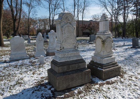 Knapp Cemetery is on Nine Mie Road east of Novi Road, in Novi.
