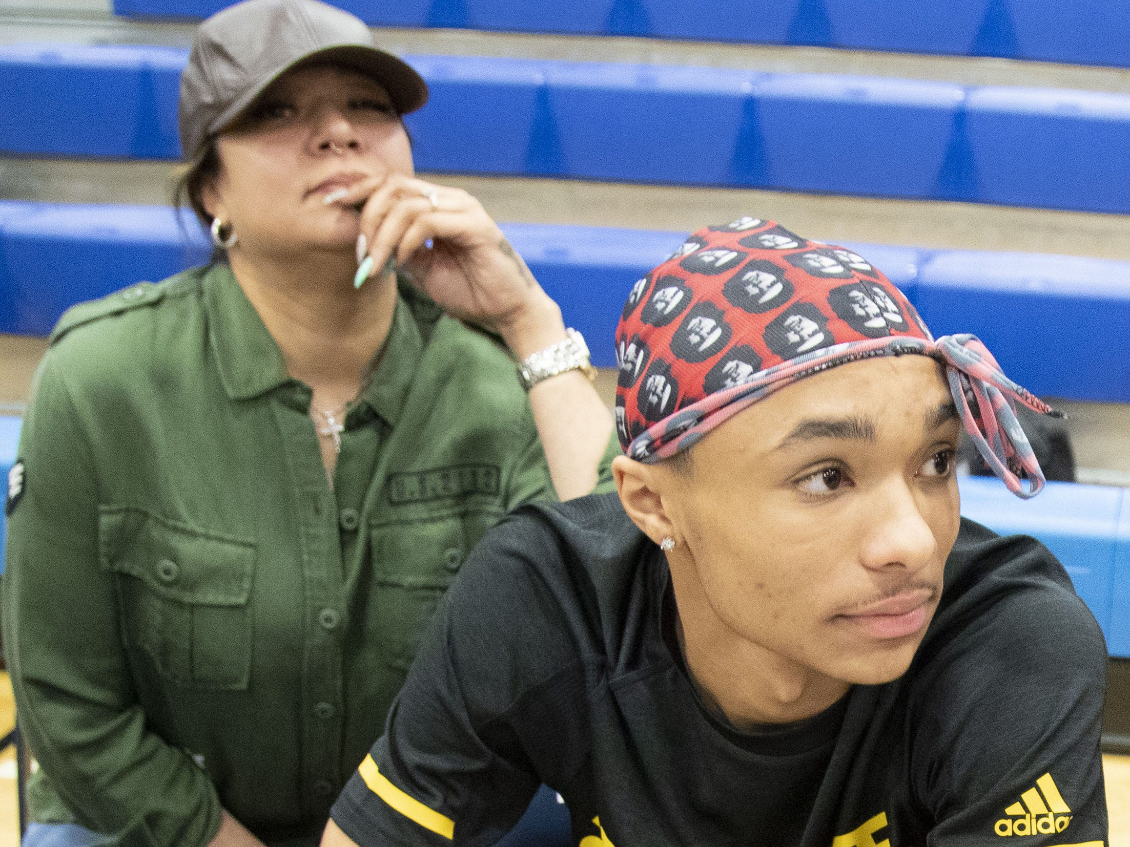 Shadow Mountain's Jaelen House and his mother Charlsie Bibby during a signing ceremony at the school gym on Nov. 14, 2018. Jaelen House signs with Arizona State.