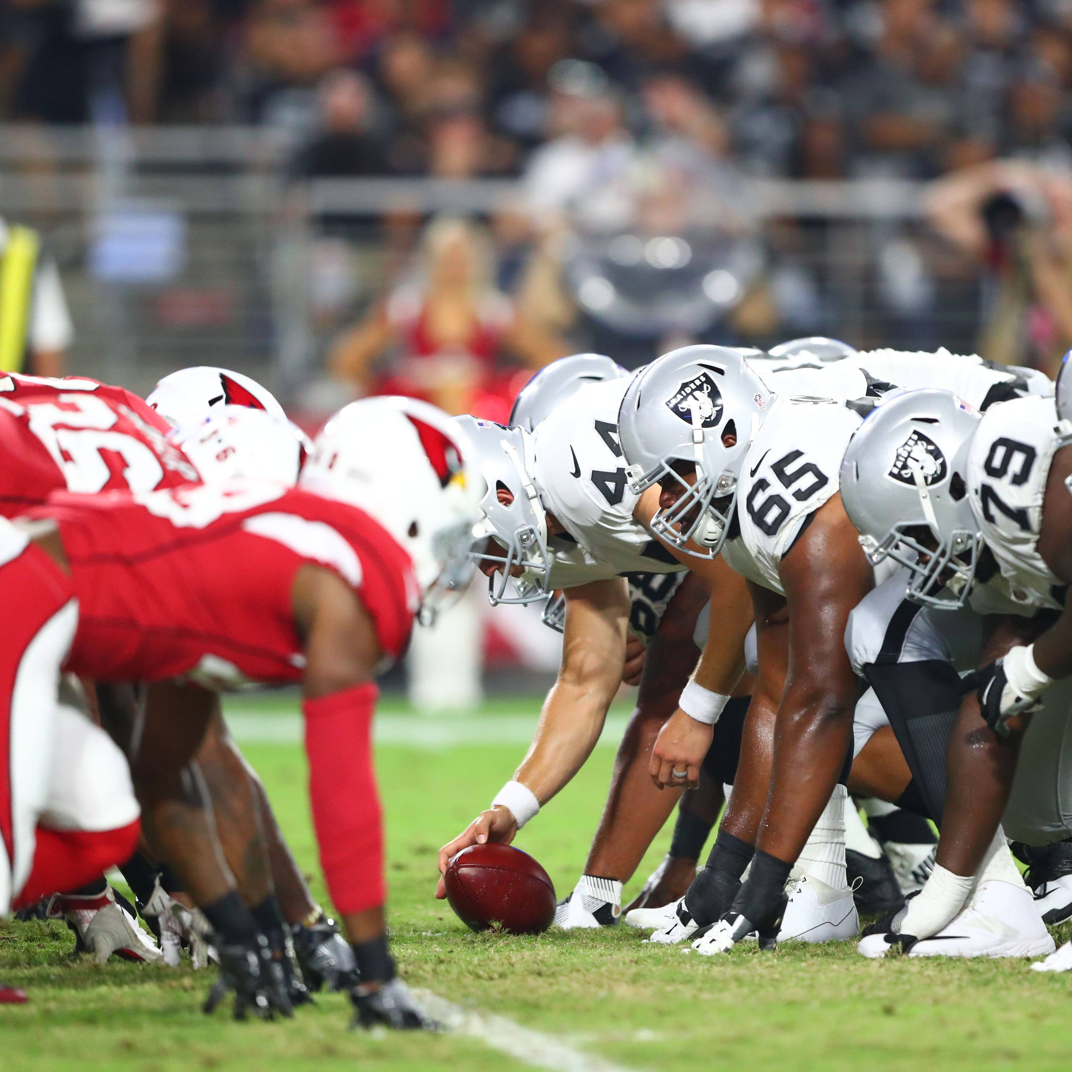 Arizona Cardinals vs. Oakland Raiders picks, predictions: Who wins Week 11 NFL game?