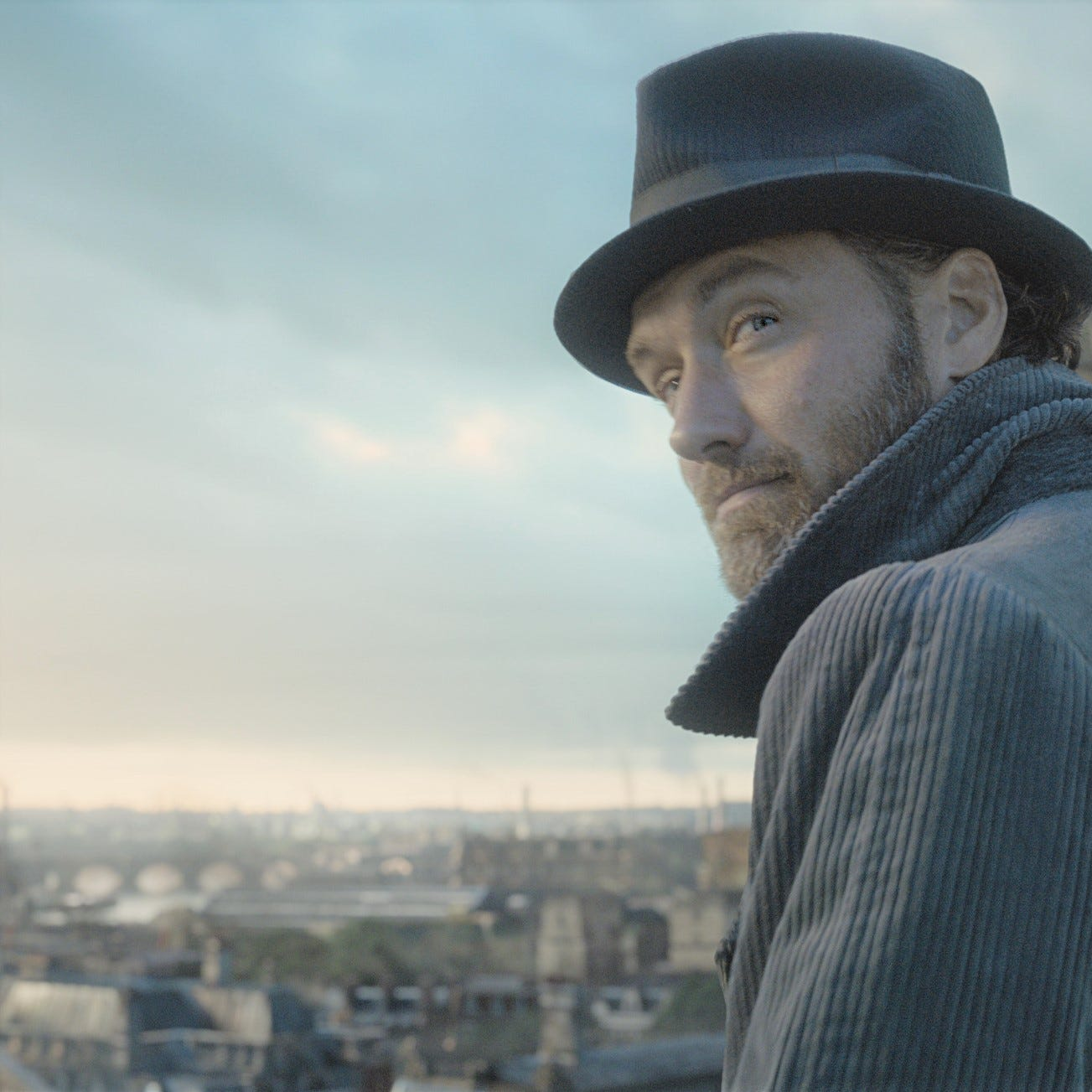 "Jude Law stars in ""Fantastic Beasts: The Crimes of Grindelwald."""
