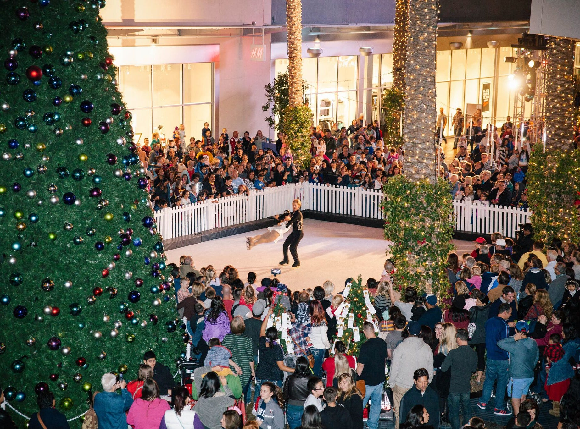 The ice skating rink and festivities at Tempe marketplace during the holiday season.