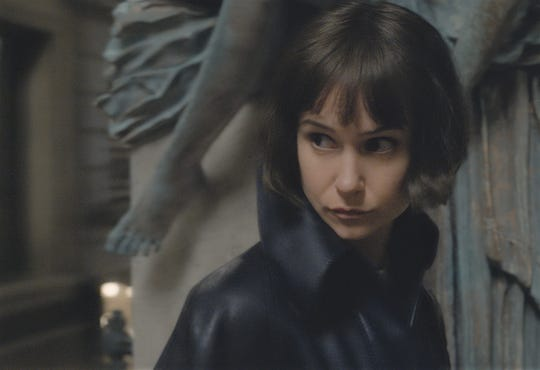 "Katherine Waterston stars in ""Fantastic Beasts: The Crimes of Grindelwald."""