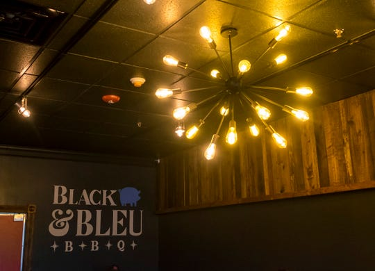Black & Bleu BBQ in St. Clair held a grand opening ceremony Wednesday, Nov. 14, 2018 at the restaurant, located at 1179 S. Carney Drive in St. Clair.