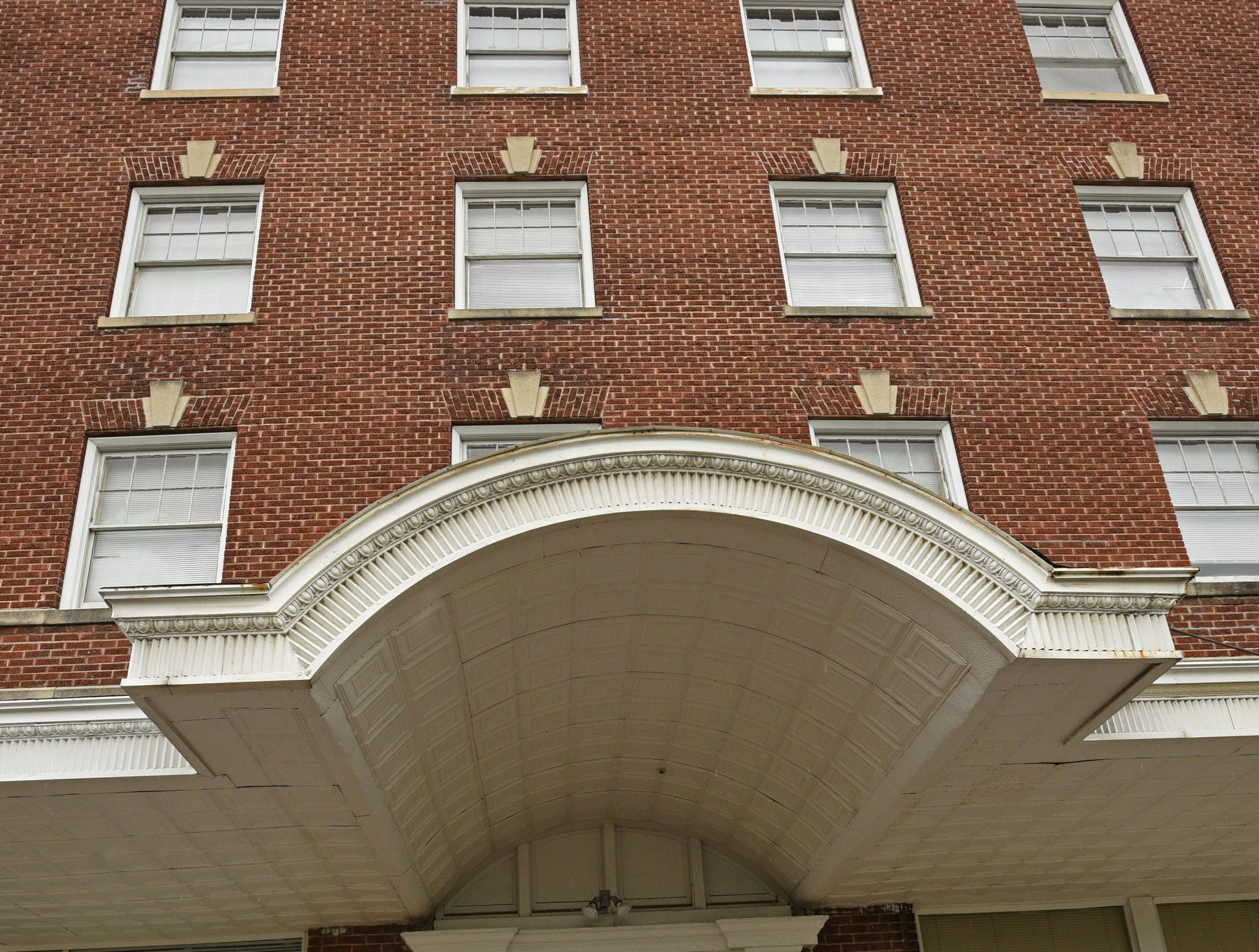 Jefferson Apartments in Shreveport.