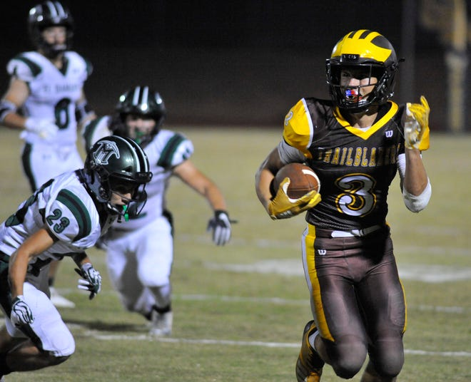 Golden West's Michael Wessel runs against El Diamante in the Battle for the Saddle at Groppetti Stadium on October 26, 2018.