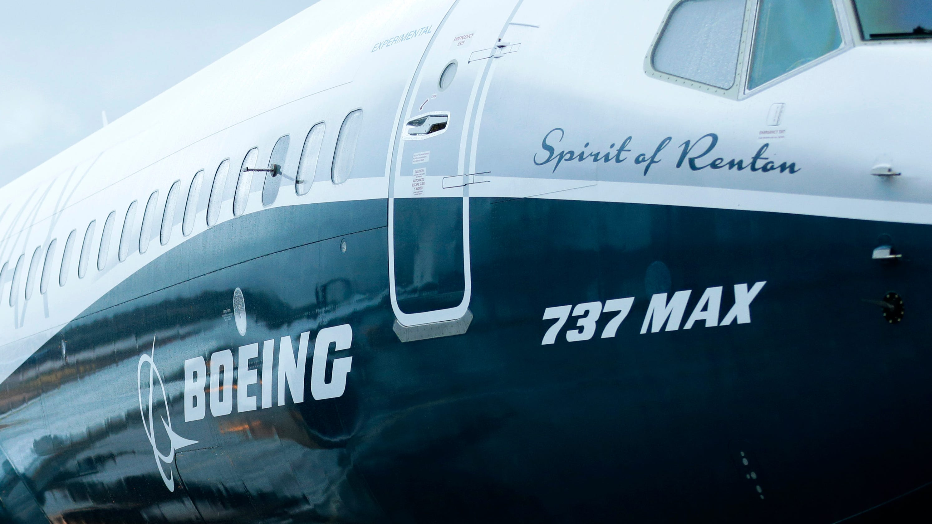 pilots says boeing didn t disclose new control feature on 737 max