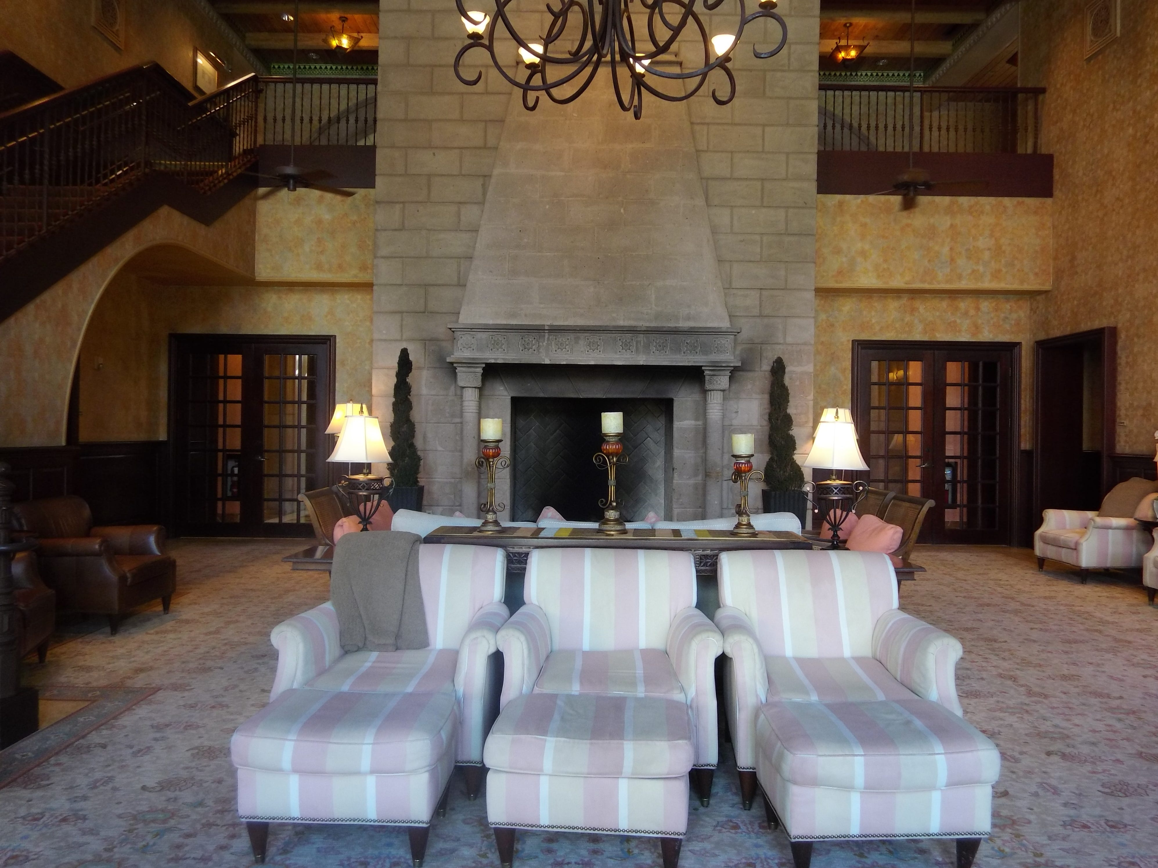 Guests of the Waldorf Astoria Spa enjoy their time in this relaxing lounge.