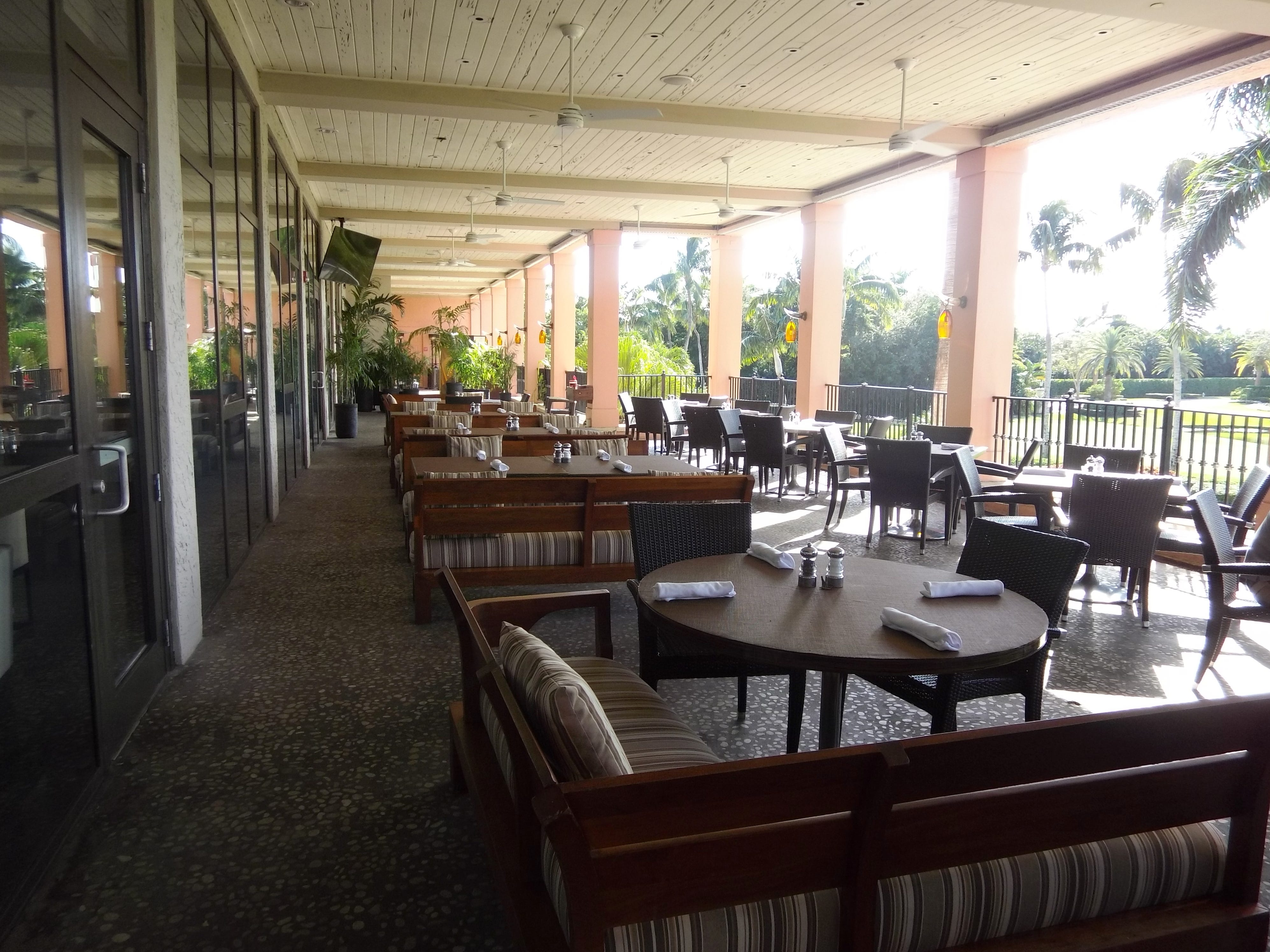 Outdoor dining at 501 East Kitchen & Bar.