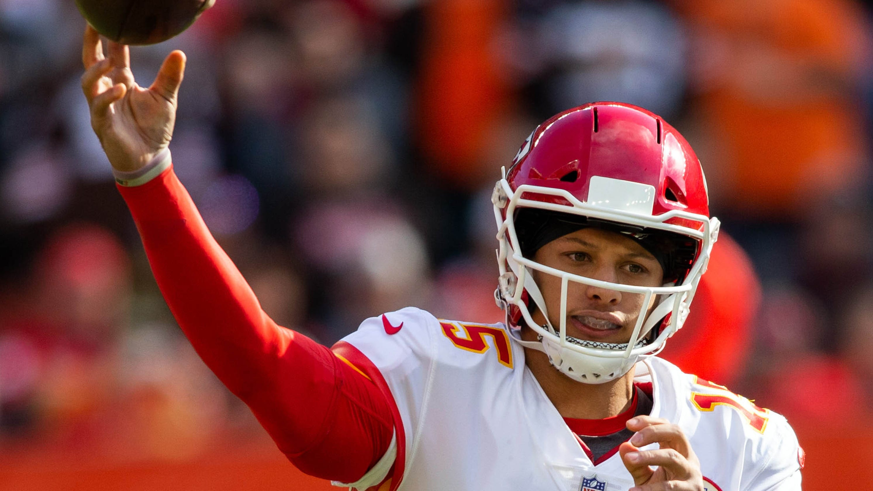 NFL QB Hot Sheet  Chiefs-Rams game features two top young passers 82c96faeb