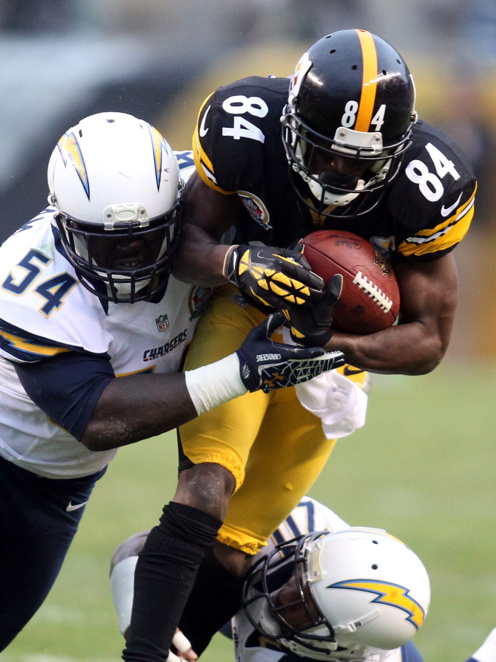 Steelers WR Antonio Brown (84) and Chargers pass rusher Melvin Ingram will meet again in December.