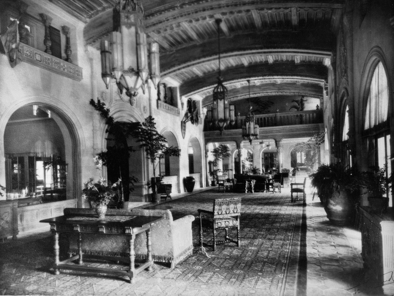 An historic photo of the main lobby.