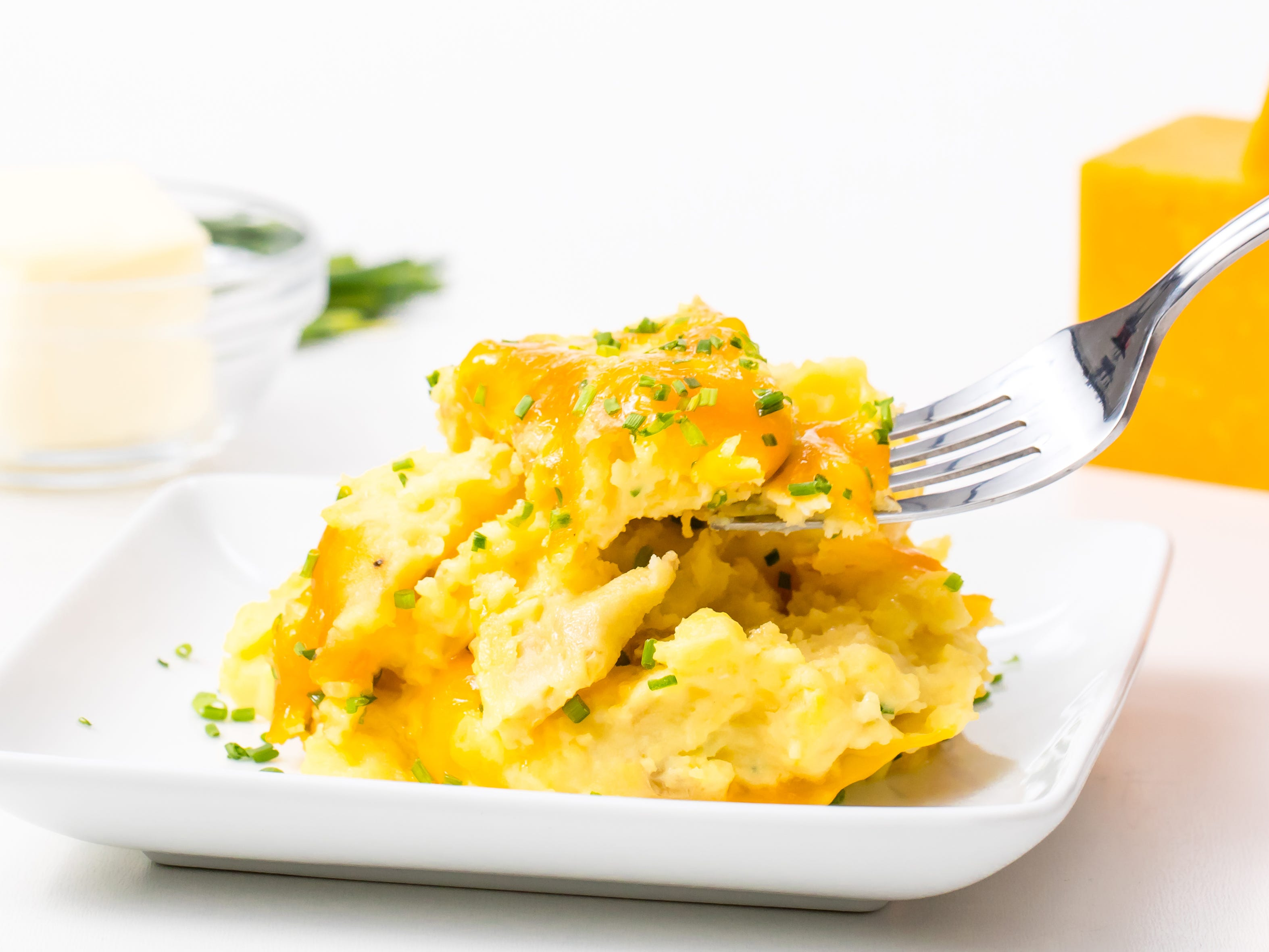 Baked Sour Cream Cheddar Chive Mashed Potatoes
