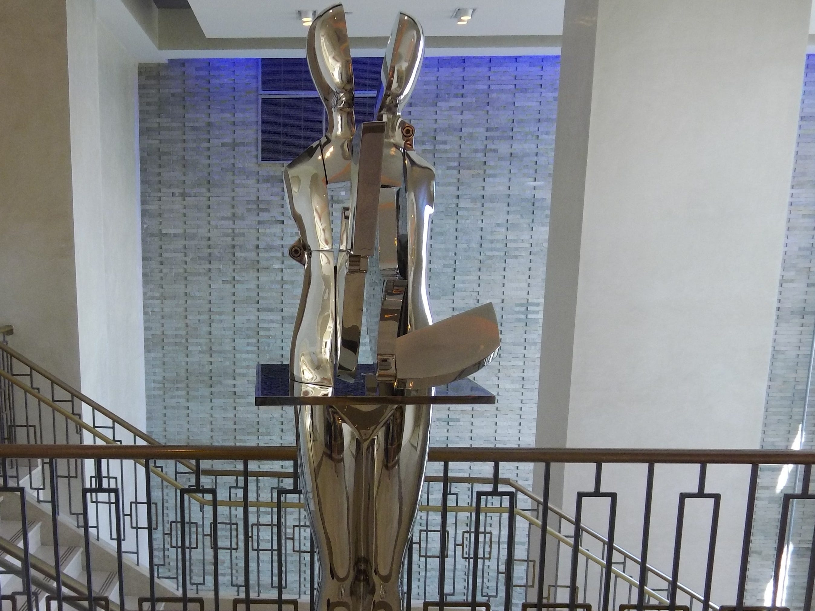 A sculpture, curated by Sponder Gallery, off of the lobby of Boca Beach Club.