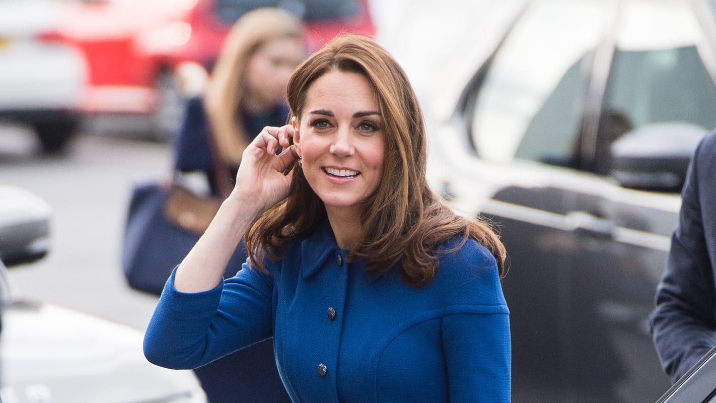 0788c144f3e1f Duchess Kate recycles blue dress on Prince Charles  70th birthday