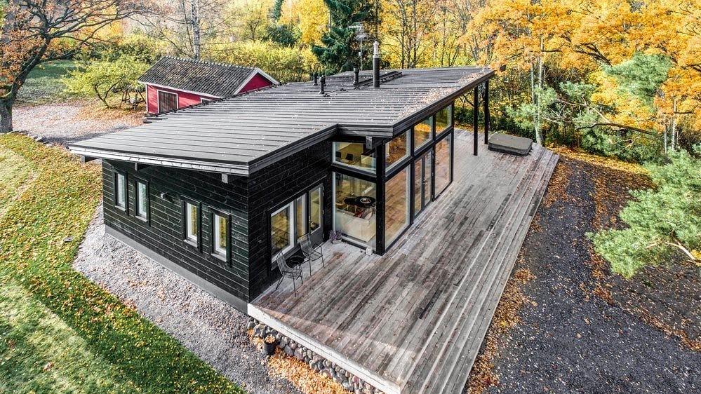 Helsinki-based company Pluspuu offers 11 customizable models of modern log homes and sauna cabins that start at $18,000.