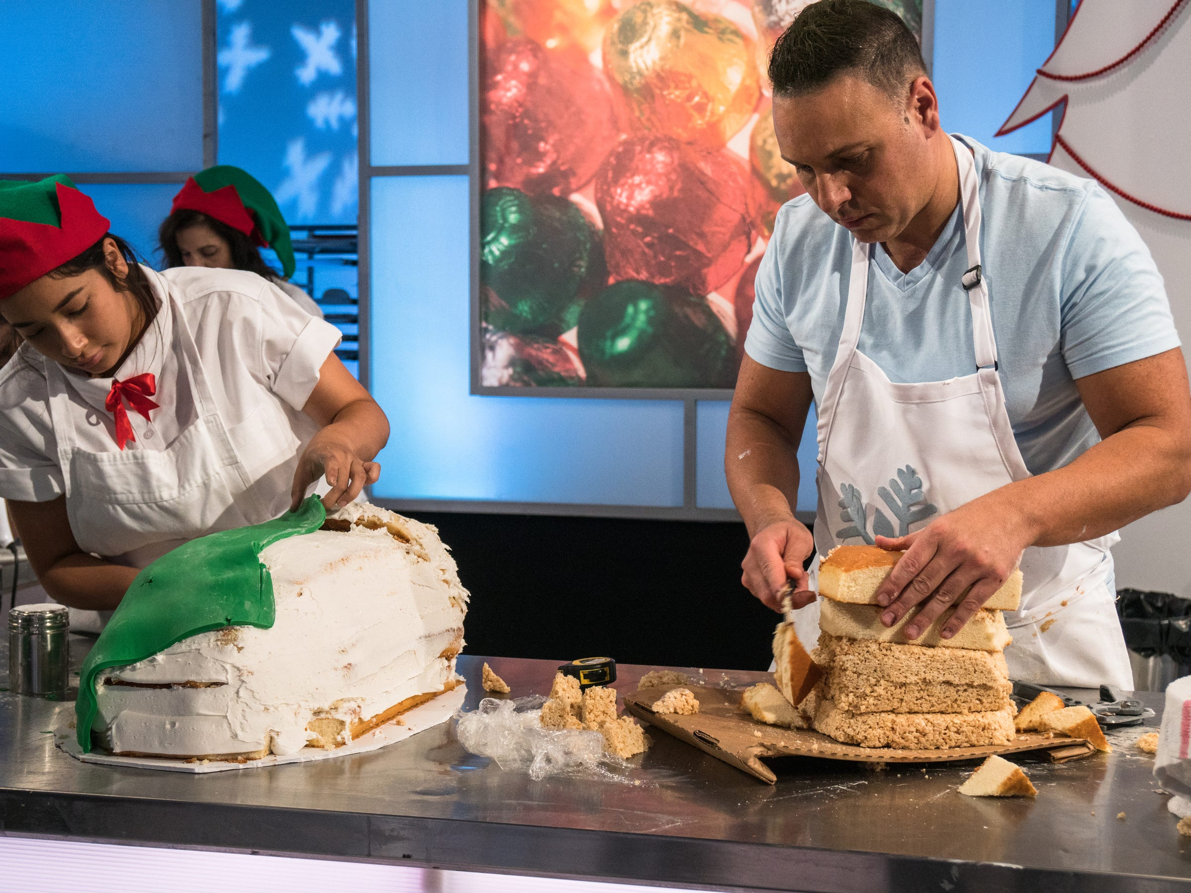 Sick elves! Can Collingswood baker solve Santa's crisis on Food Network's 'Holiday Wars'?
