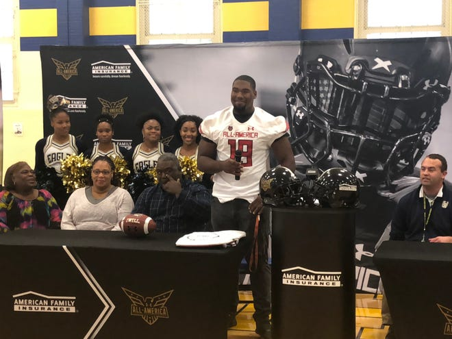 Jowon Briggs adresses the gathered crowd at Thursday's Under Armour All-American game jersey ceremony.