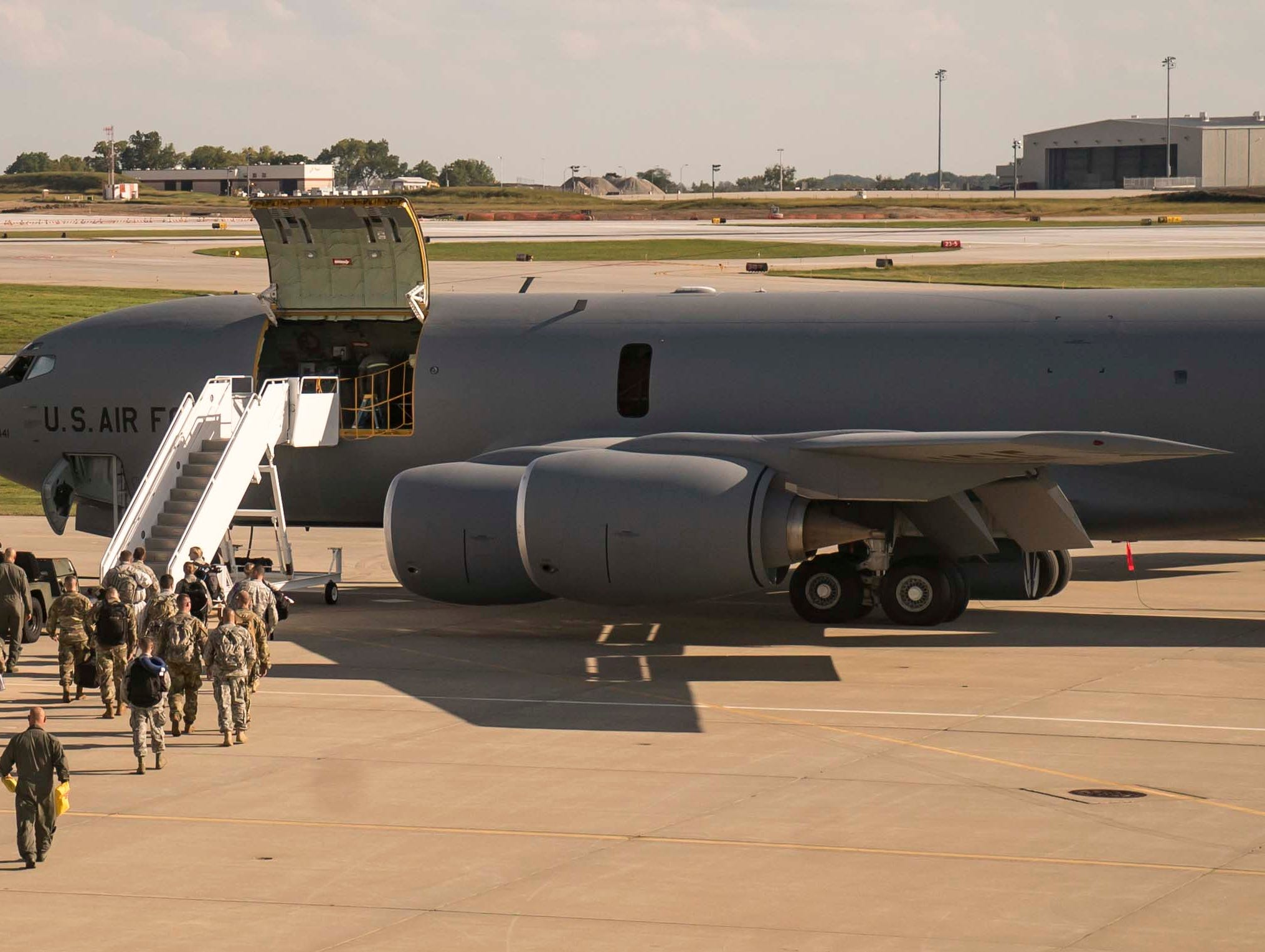 A KC-135E Stratotanker loads with Iowa National Guardsmen for a staff ride to Kosovo Sept. 16, 2018, leaving on the 10-hour flight from Des Moines Airport to Pristina, capital of the Republic of Kosovo.