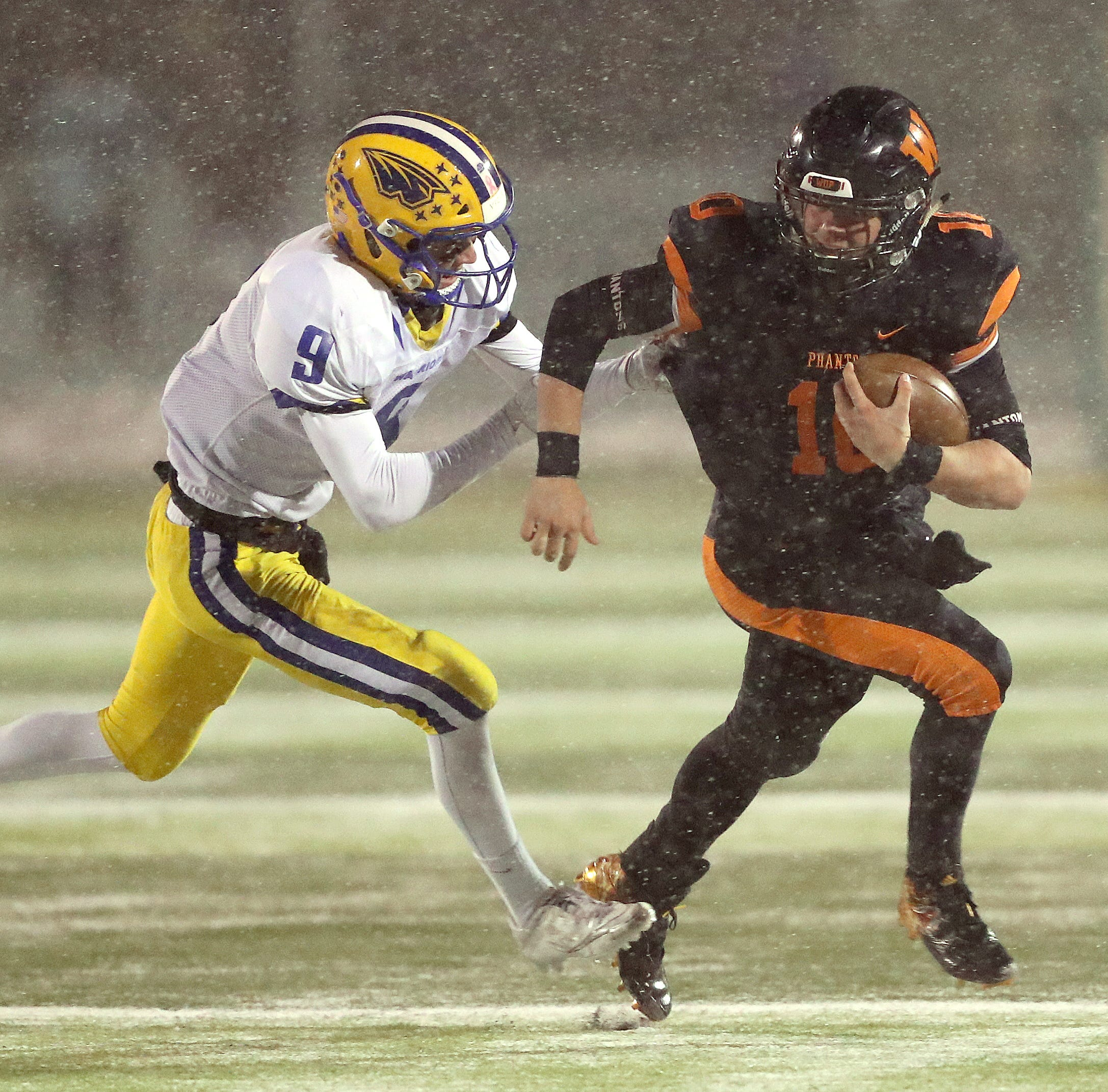 WIAA state football: West De Pere star Josh Blount is just one of the guys