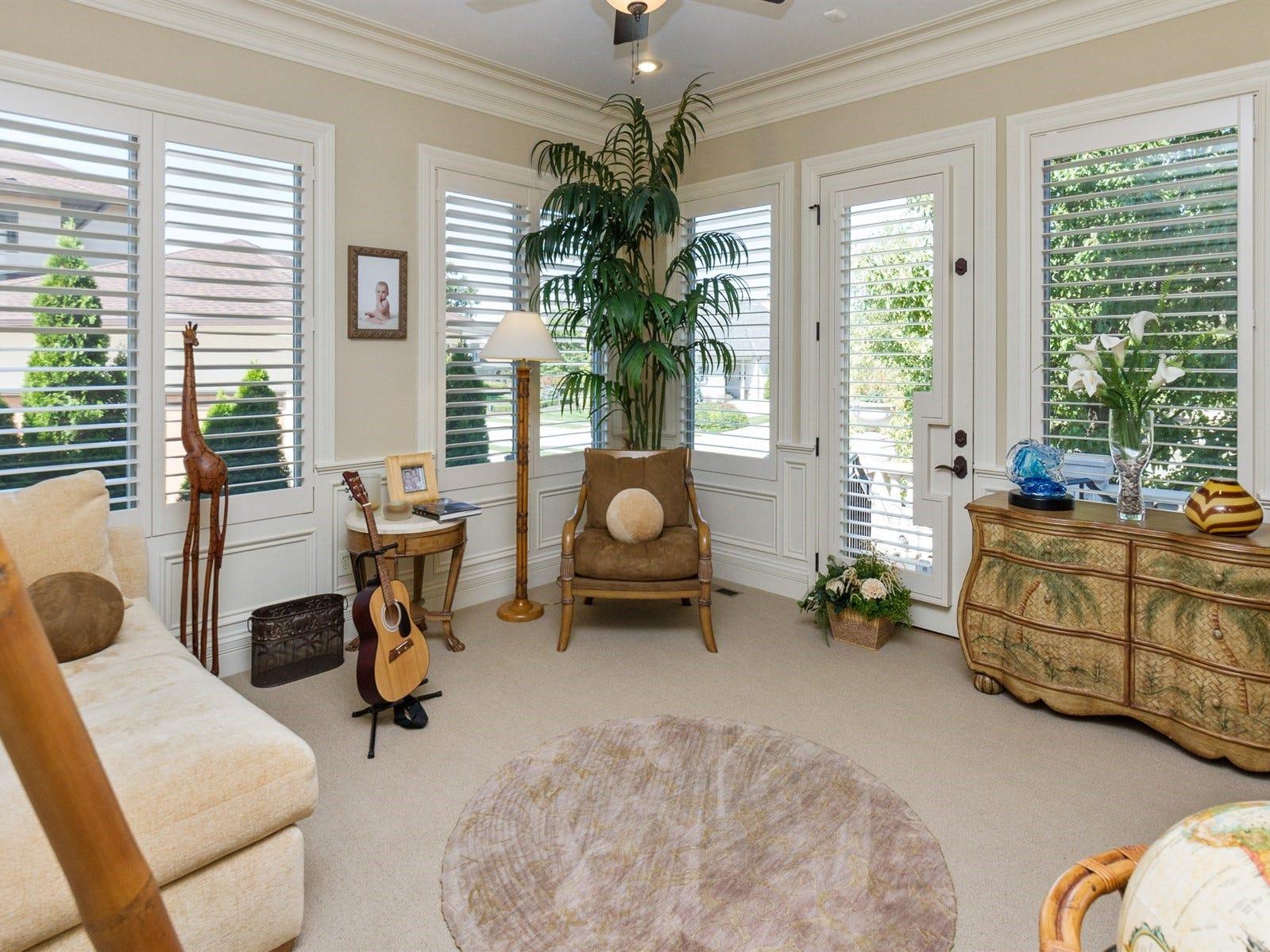 Master retreat suite