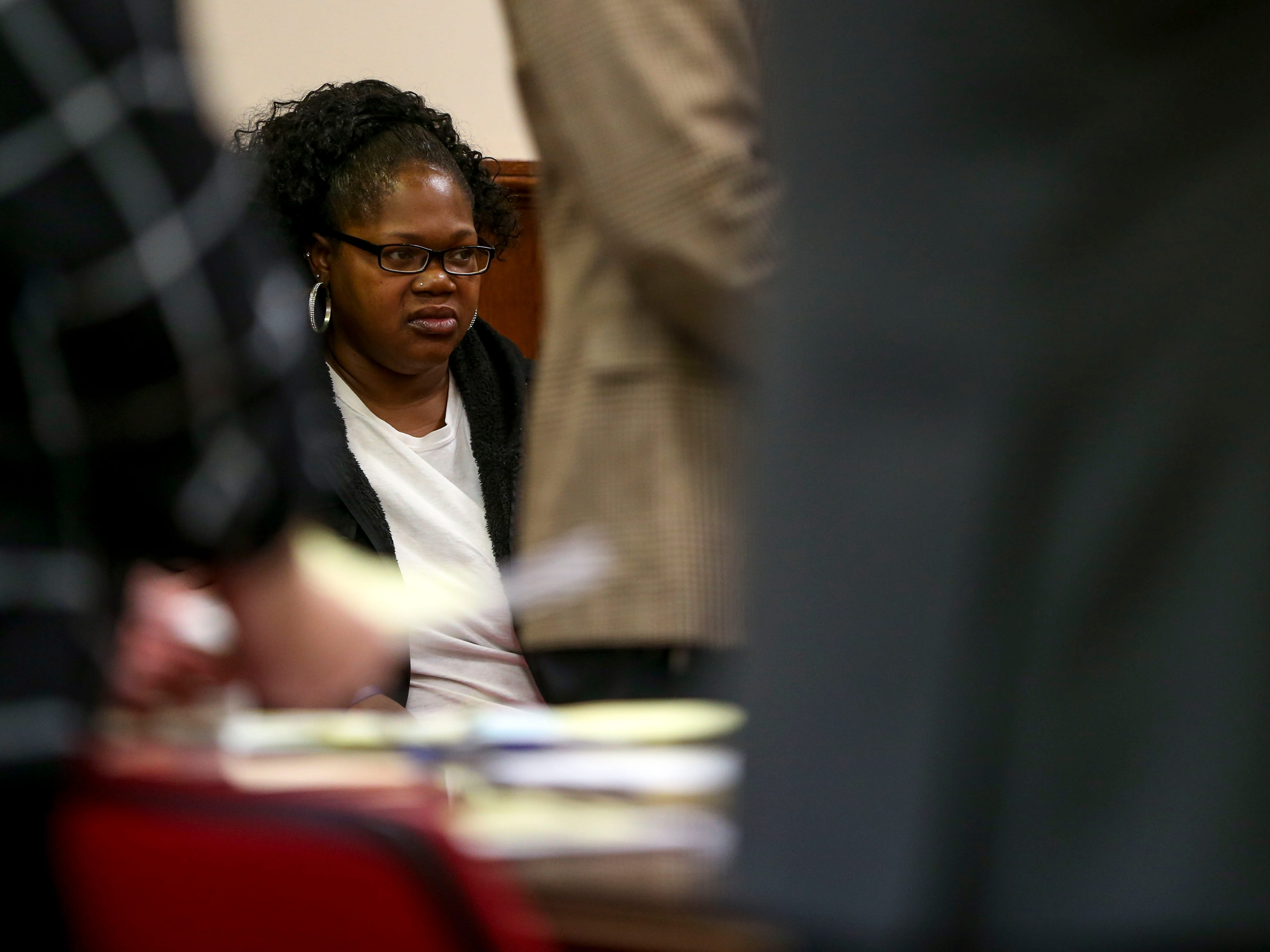 Alicia Hassell glares towards Keon Stewart at a court appearance for Stewart at Jackson City Court in Jackson, Tenn., on Thursday, Nov. 15, 2018.