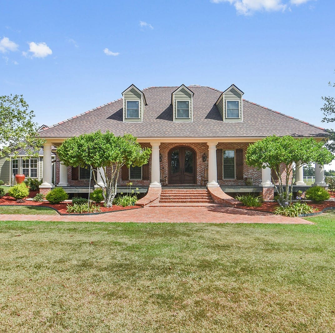 Got $1.3M? Tour this amazing Carencro estate