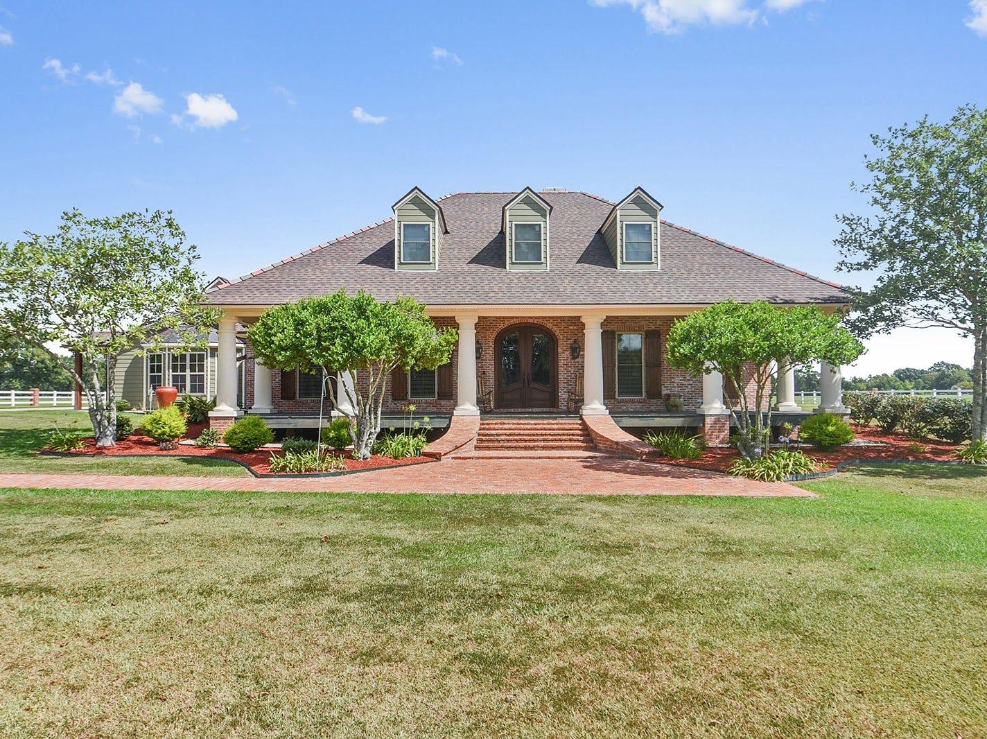 Got $1.3M? Tour this amazing Carencro estate