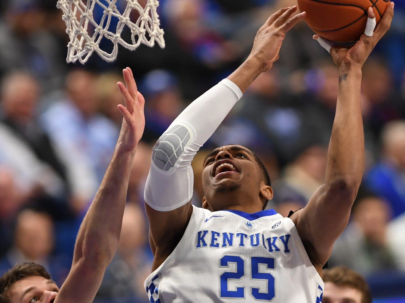 UK F PJ Washington goes up with the ball during the University of Kentucky mens basketball game against North Dakota at Rupp Arena in Lexington, Kentucky on Wednesday, November 14, 2018.
