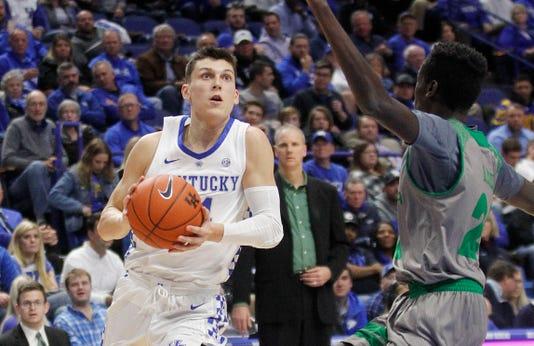 Tyler Herro scores for Kentucky Basketball against North Dakota