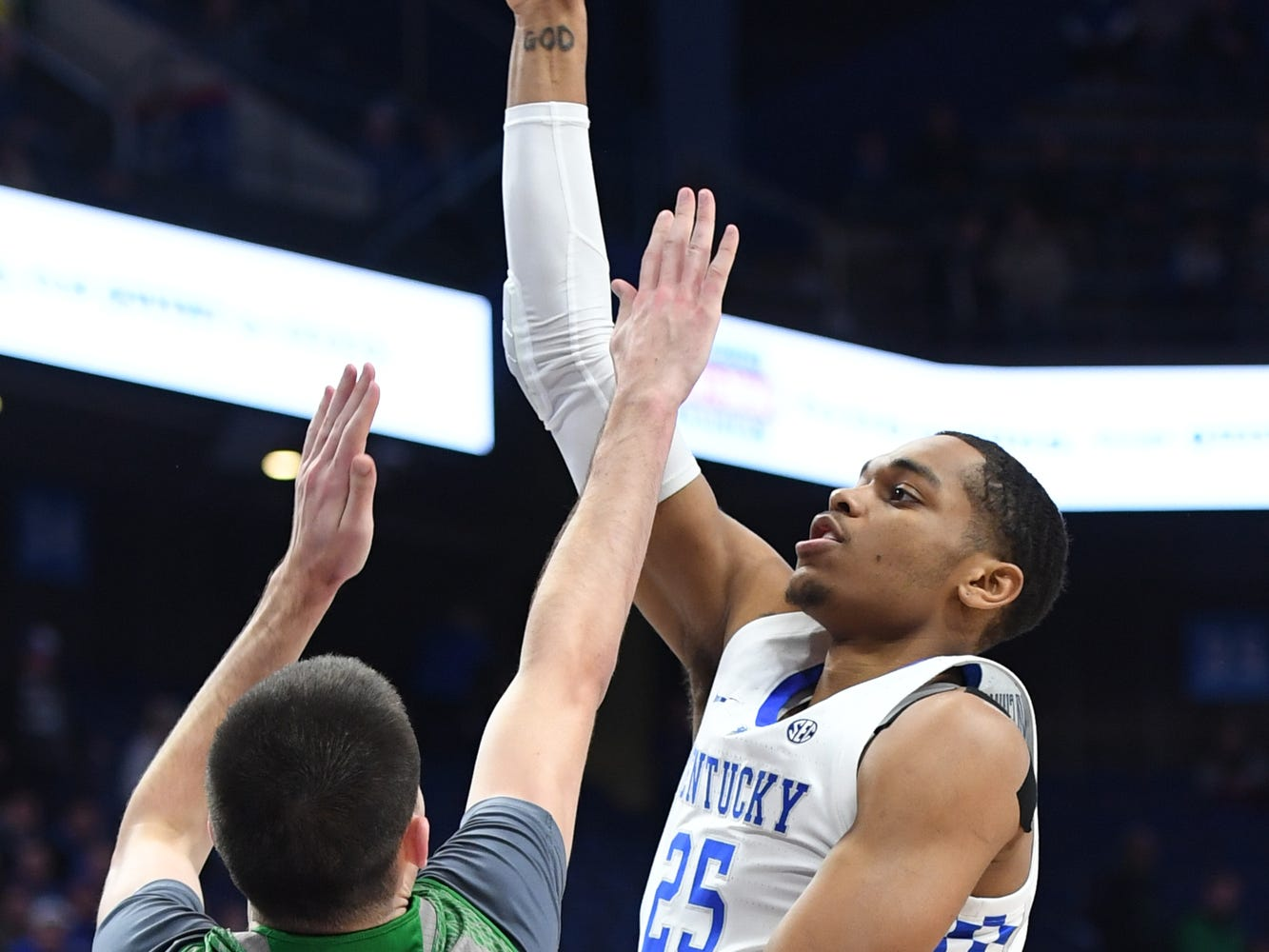 UK F PJ Washington shoots during the University of Kentucky mens basketball game against North Dakota at Rupp Arena in Lexington, Kentucky on Wednesday, November 14, 2018.
