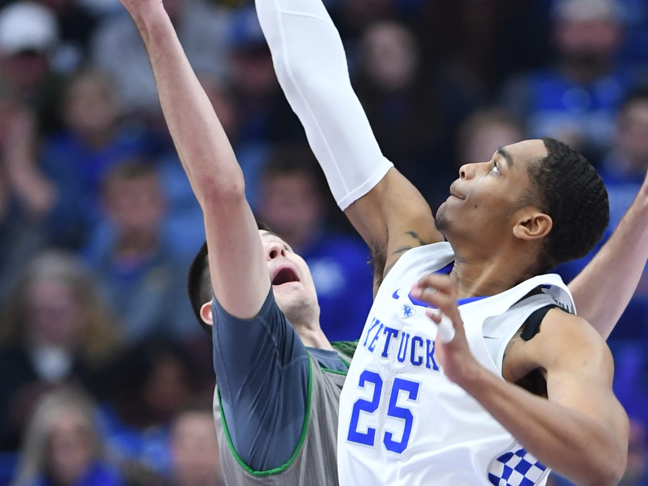 UK F PJ Washington wins the tip off during the University of Kentucky mens basketball game against North Dakota at Rupp Arena in Lexington, Kentucky on Wednesday, November 14, 2018.