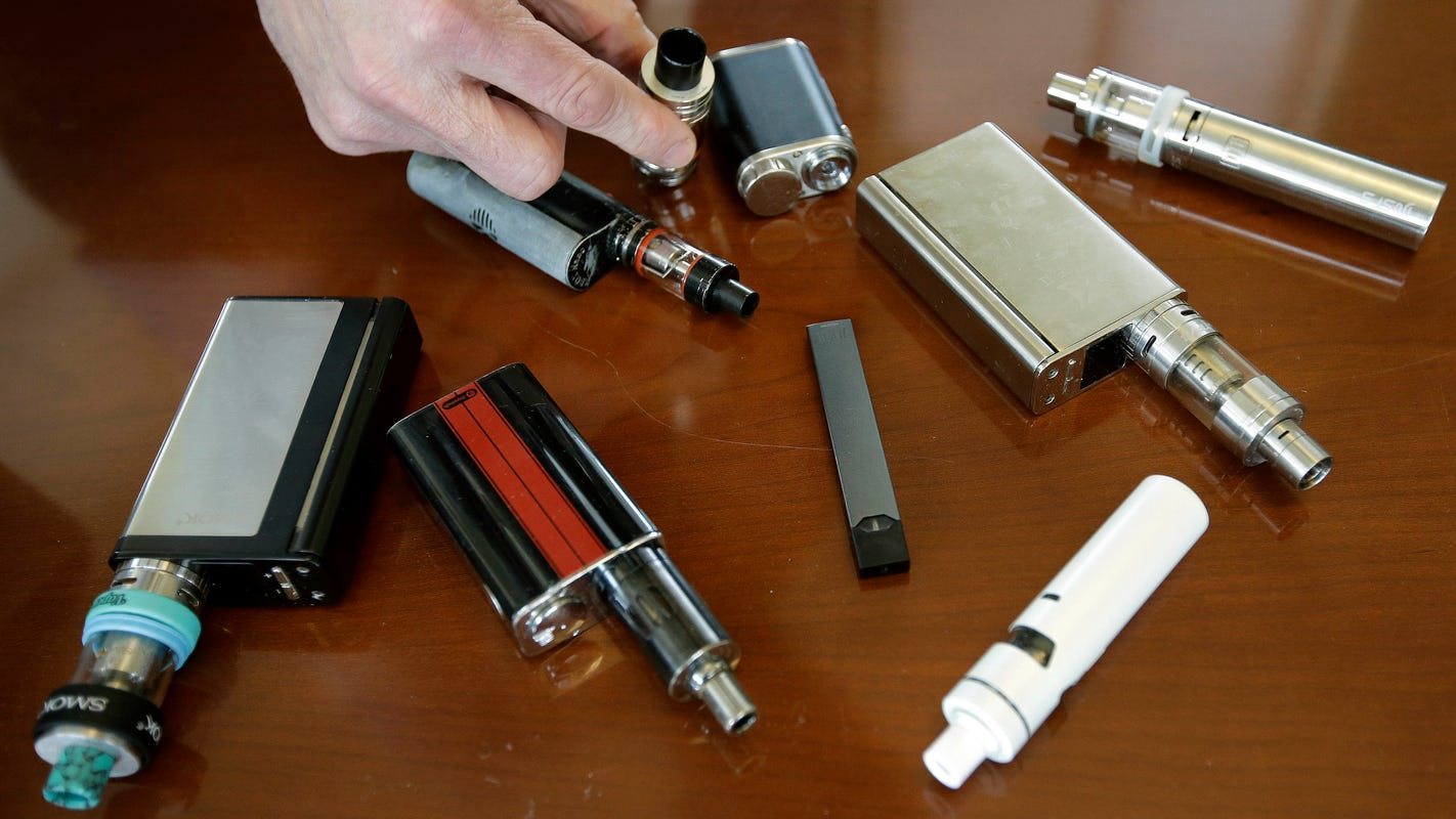 What are the symptoms of vaping illnesses, and what's causing lung injuries and deaths? Here's what we know.