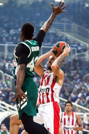 Panathinaikos' Thanasis Antetokounmpo defends against Olympiacos' Vassilis Spanoulis during a Euroleague basketball match Nov. 9.