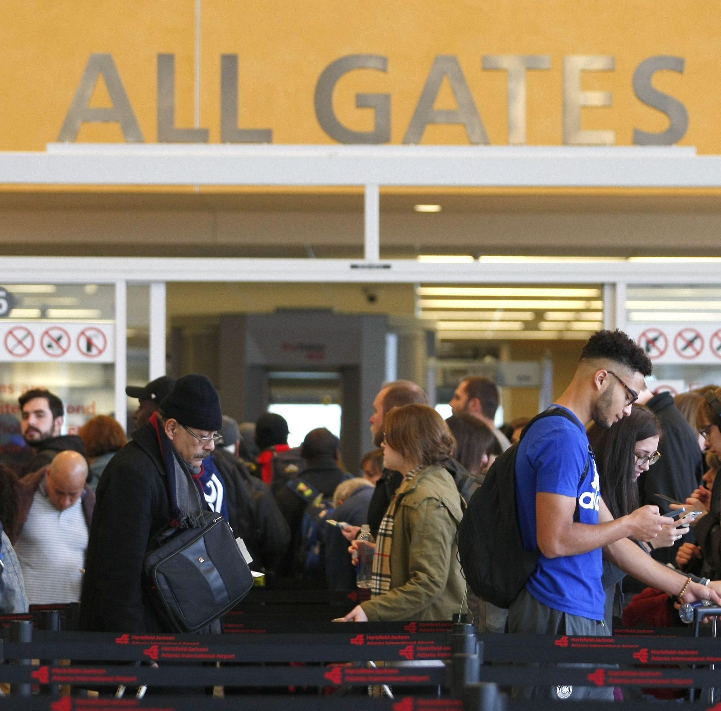 Shutdown impacts: TSA absences cause airport delays in Houston, Atlanta
