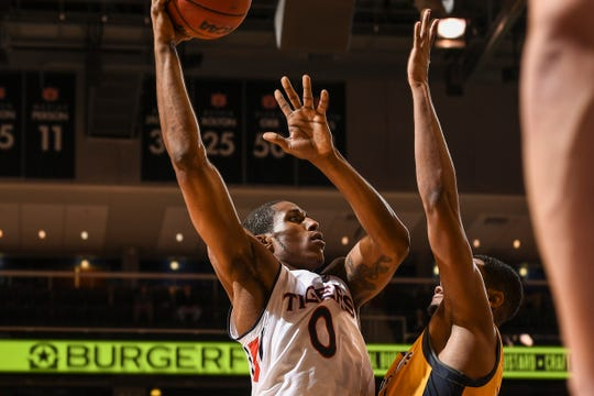 Auburn forward Horace Spencer (0) drives against Mississippi College on Wednesday, November 14, 2018, in Auburn, Ala.