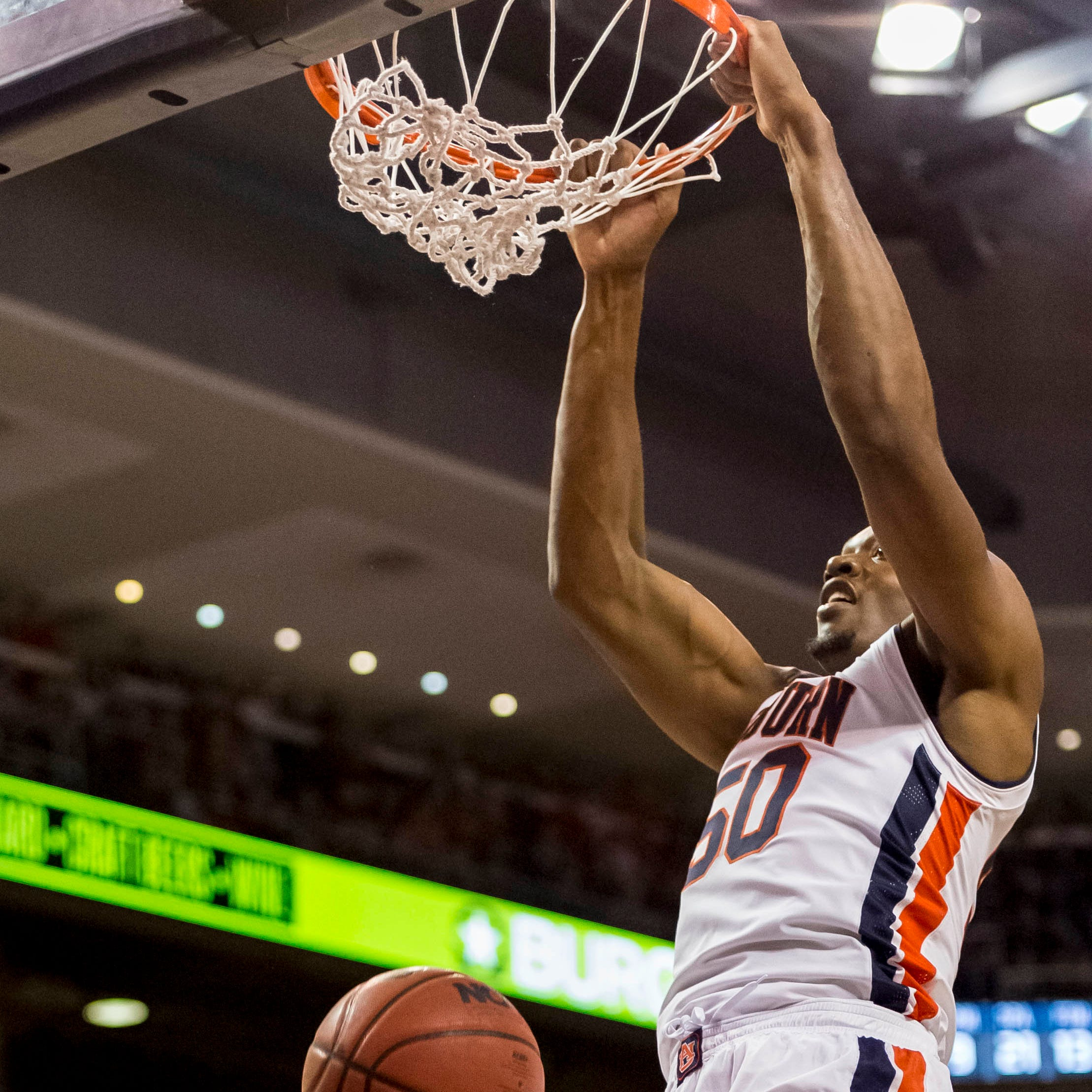 Auburn center Austin Wiley 'moving forward' after being ineligible last season