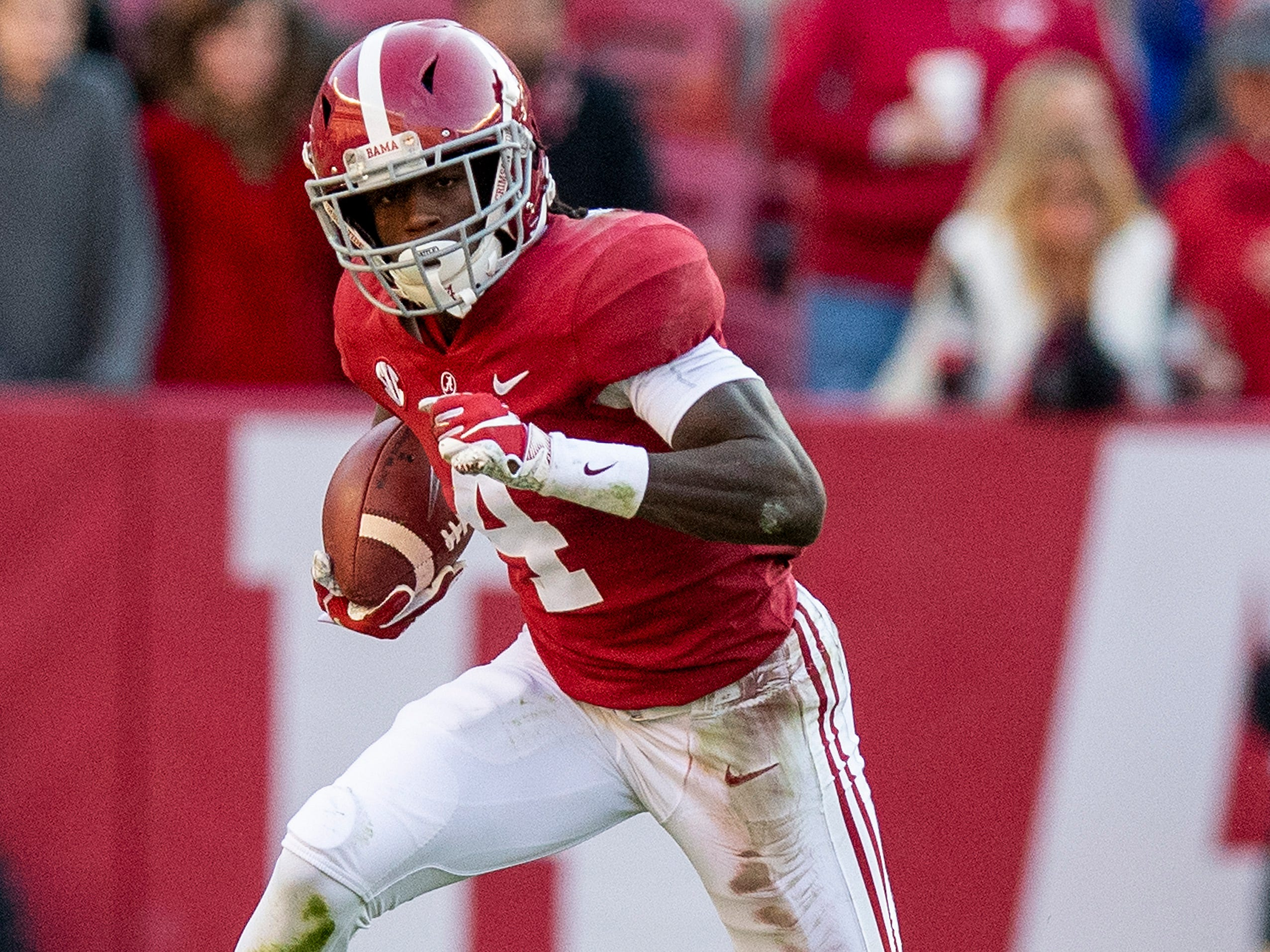 Alabama wide receiver Jerry Jeudy (4) carries the ball in first half action against Mississippi State at Bryant Denny Stadium in Tuscaloosa, Ala., on Saturday November 9, 2018.