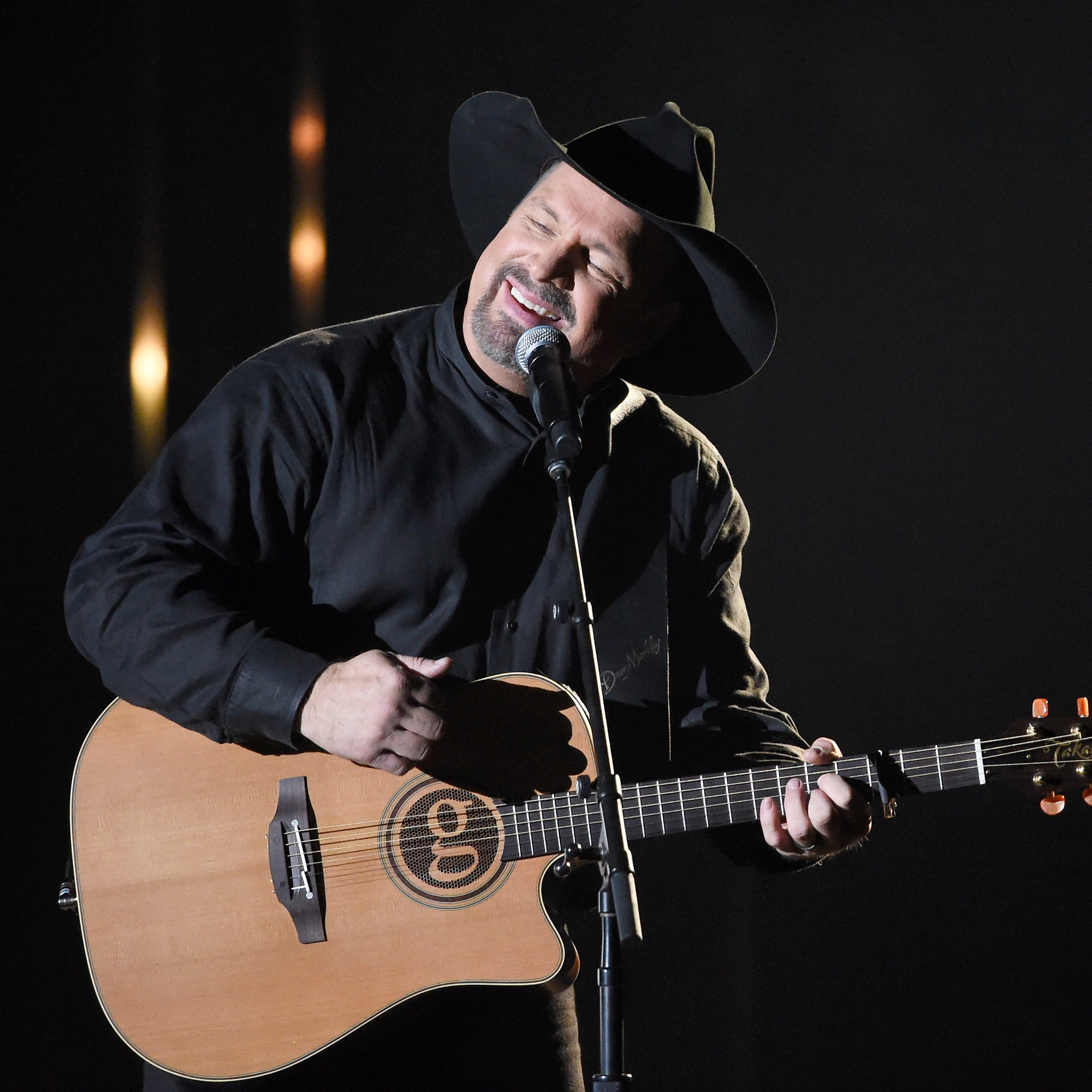 Garth Brooks, Ricky Skaggs, Lorrie Morgan more honor Keith Whitley on 30th anniversary of death