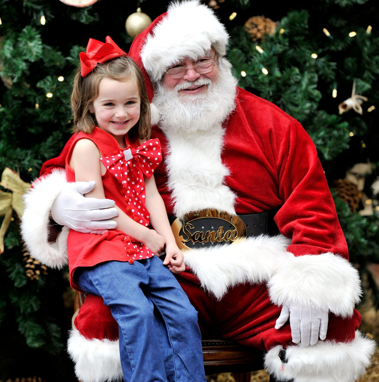 Kid with Santa for County Music Hall of Fame's...