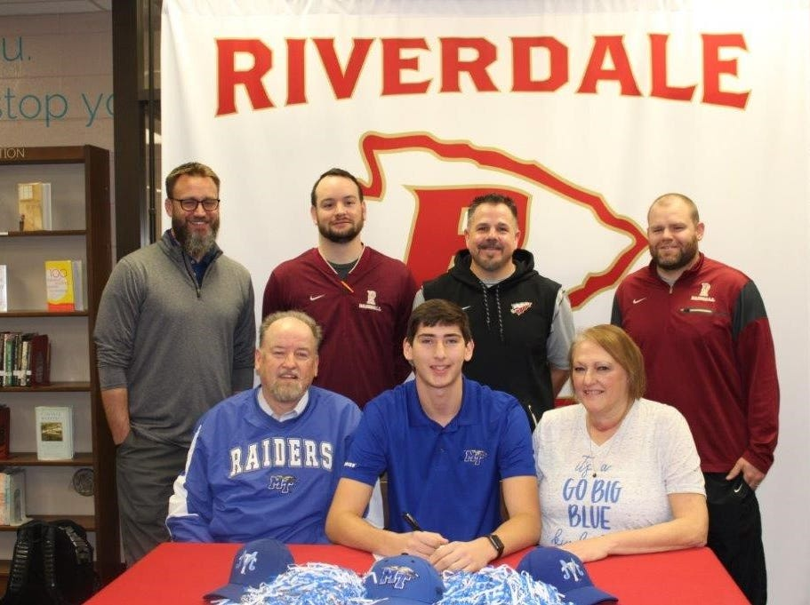 Riverdale's Brayden Siren signed with MTSU to play baseball.