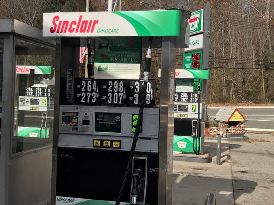 sinclair gas station returns to new jersey with its iconic dinosaur. Black Bedroom Furniture Sets. Home Design Ideas