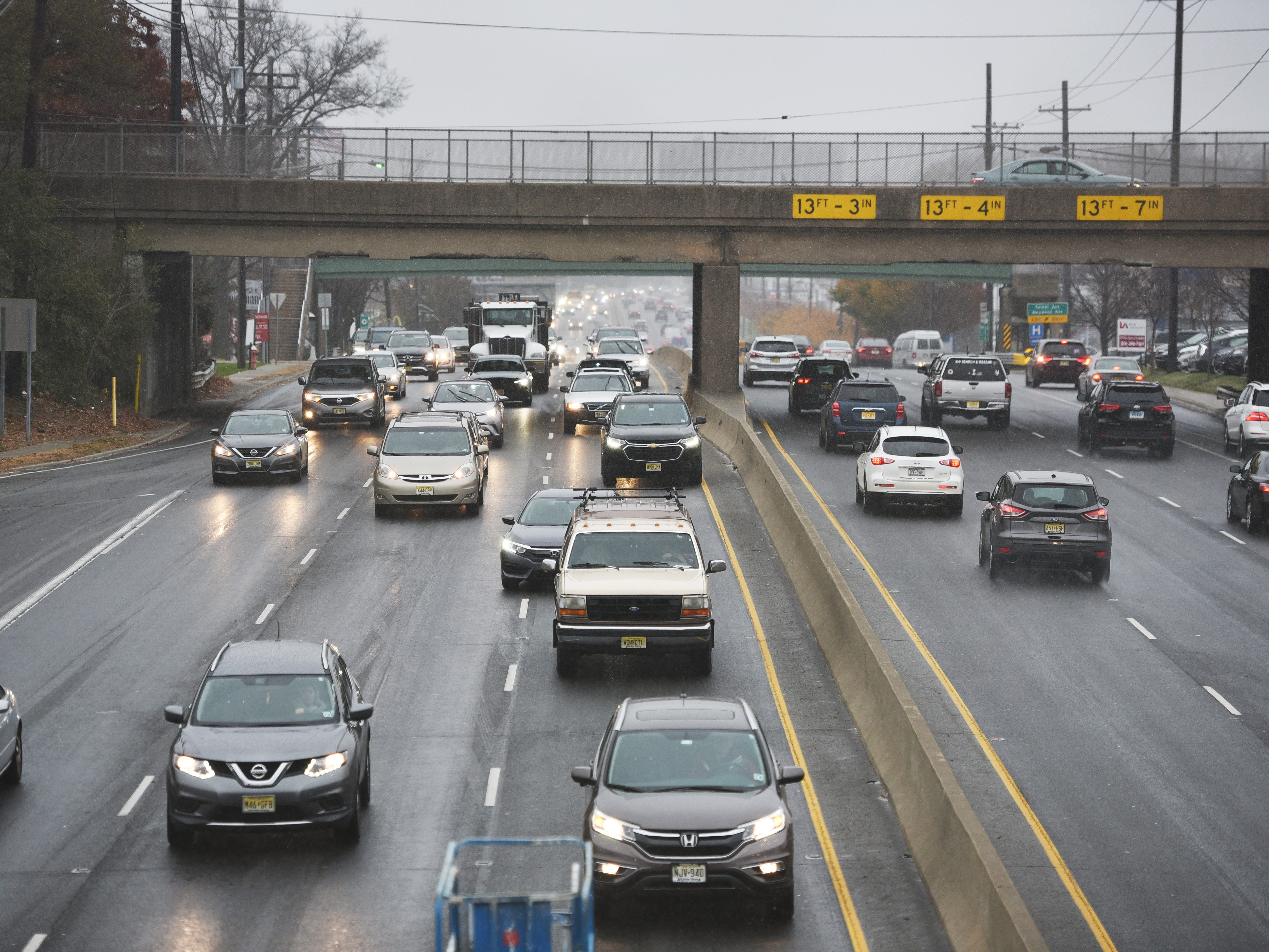 November 15, 2018, Paramus, NJ, USATraffic is seen on Route 4 as the snow begins to fall.