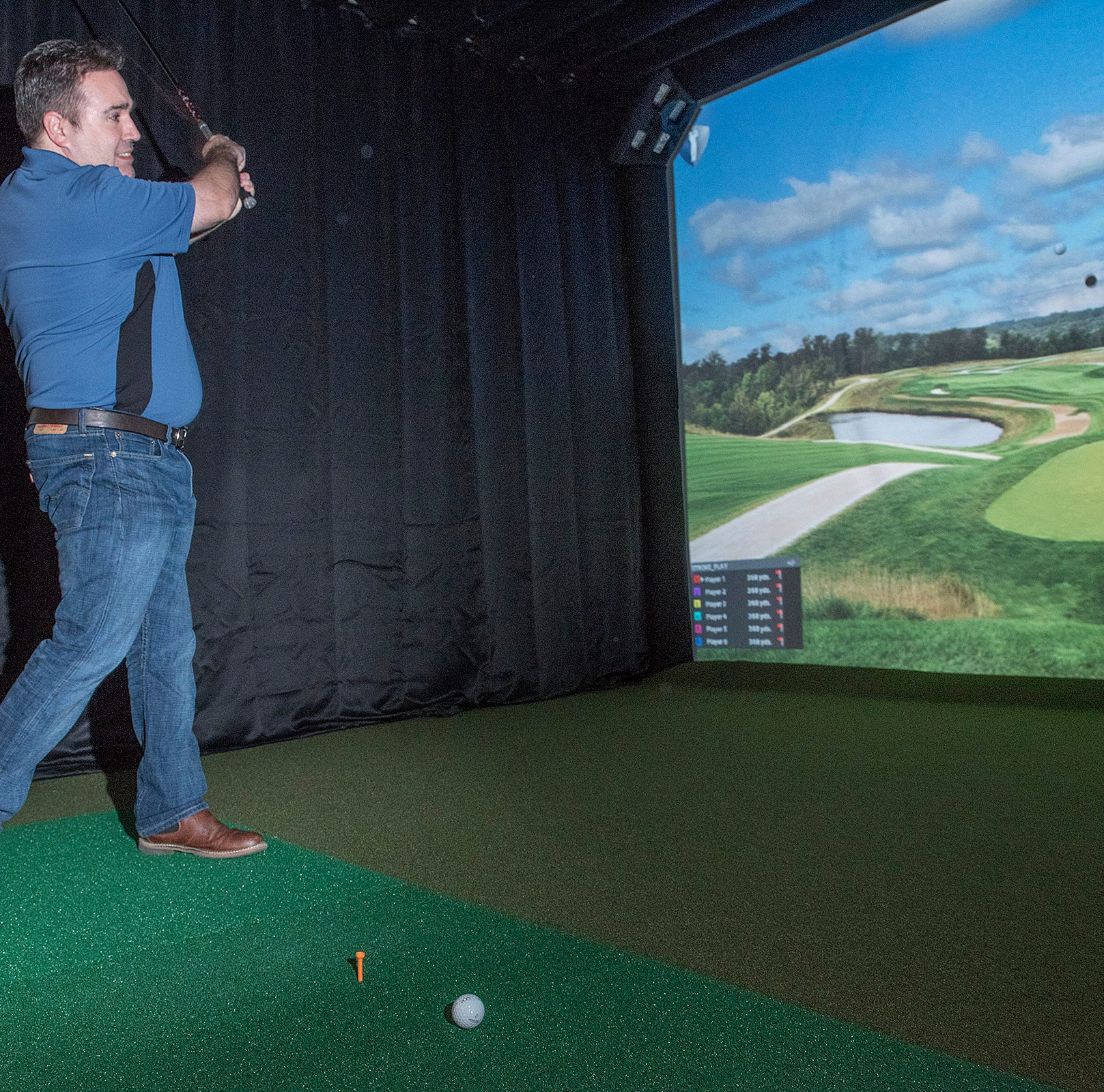 Livonia business combines love of golf, poker in one place