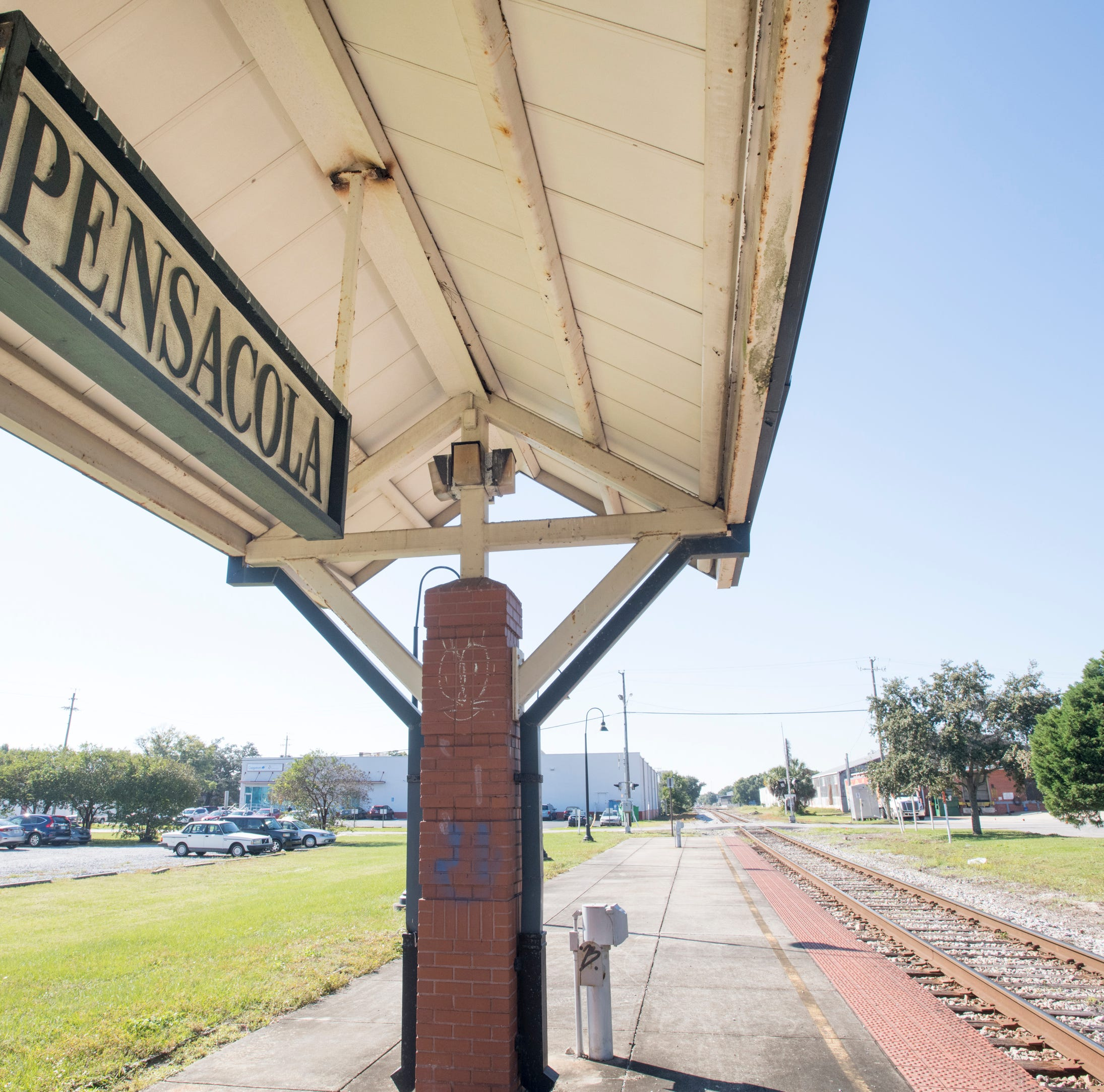 Railroad giant CSX announces deal to sell rail line between Pensacola and Jacksonville