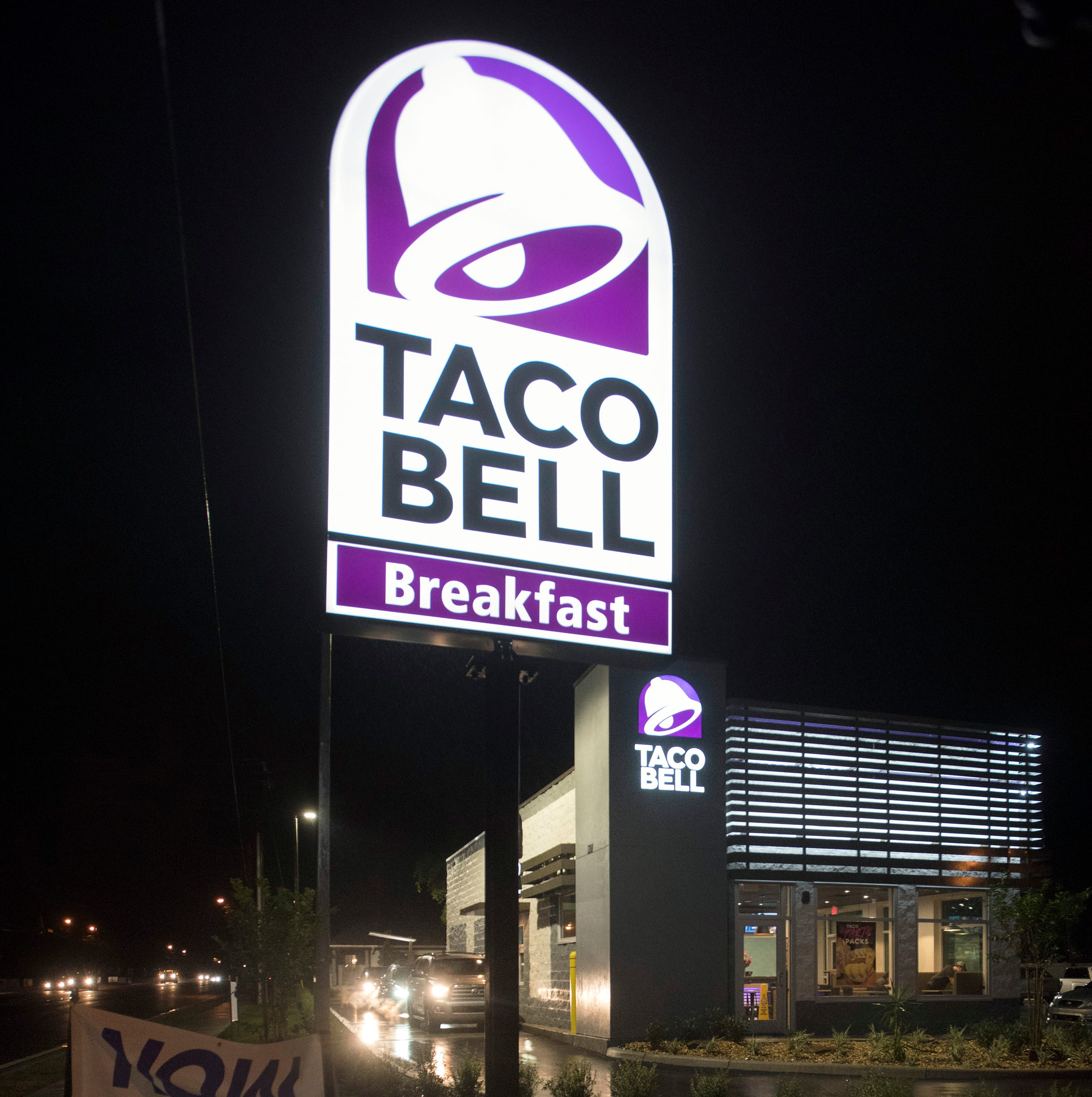 East Hill Taco Bell opens, and yet, neighborhood survives! | Moon