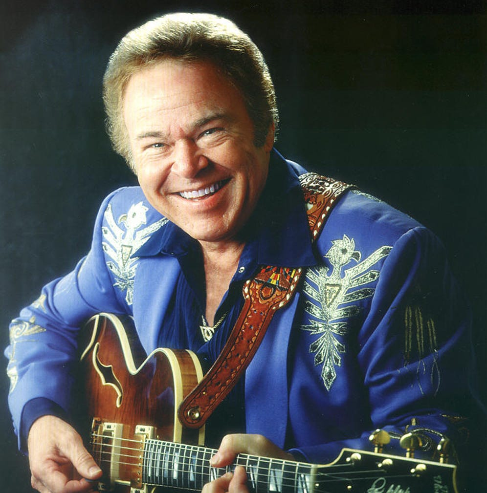 Roy Clark, 'Hee Haw' host, country guitar virtuoso, dies at 85