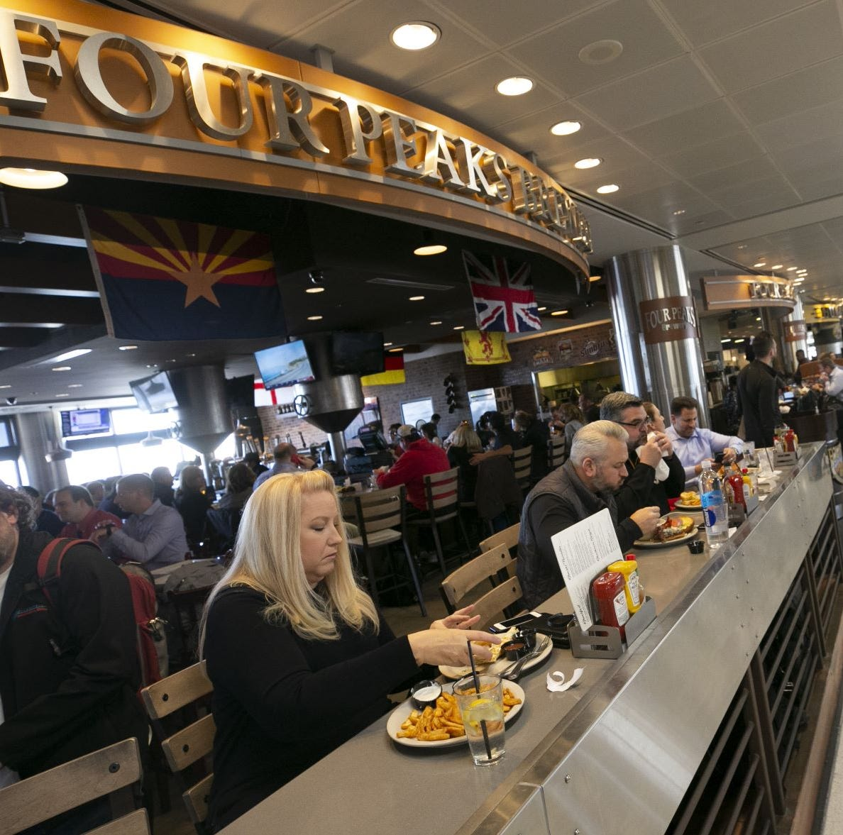 Phoenix Sky Harbor Airport restaurants want to raise prices