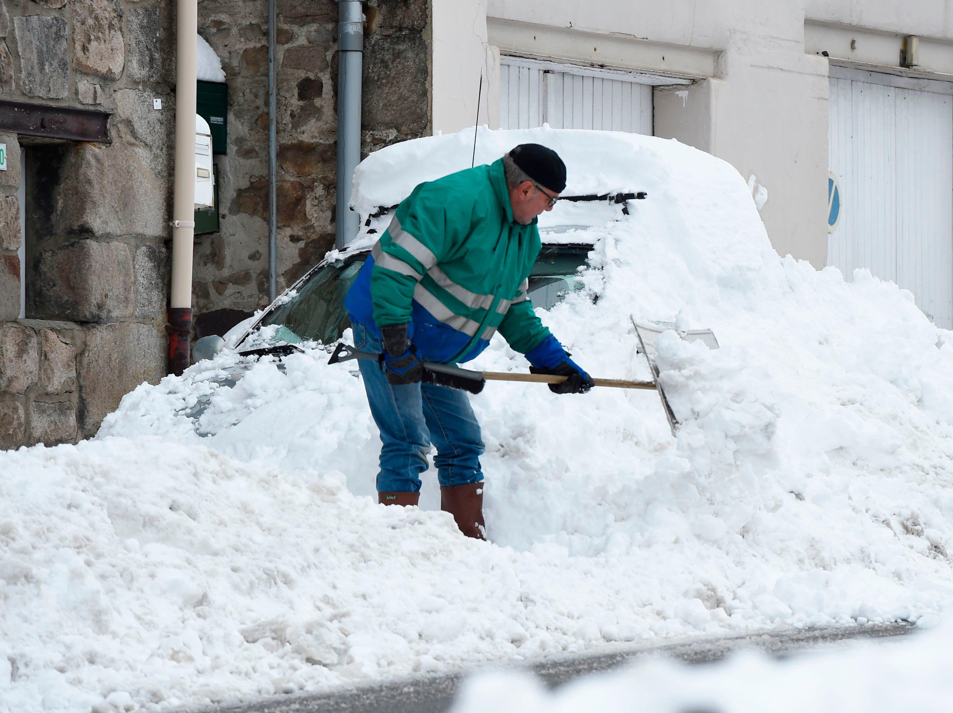 Nueva York se pintó de blanco el 15 de noviembre de 2018 con la primera nevada de la temporada 2018. El Capitolio de EEUU y muchas partes de la ciudad recibieron hasta dos pulgadas de nieve.